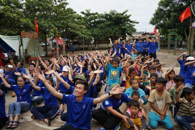 Mùa hè xanh UEF 2017 Lộc Ninh 2